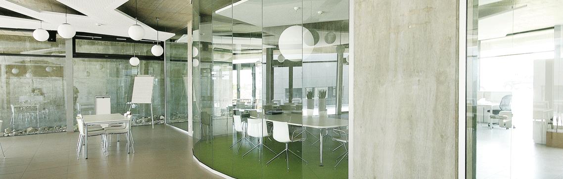 Besprechungsraum Oval im Neubau